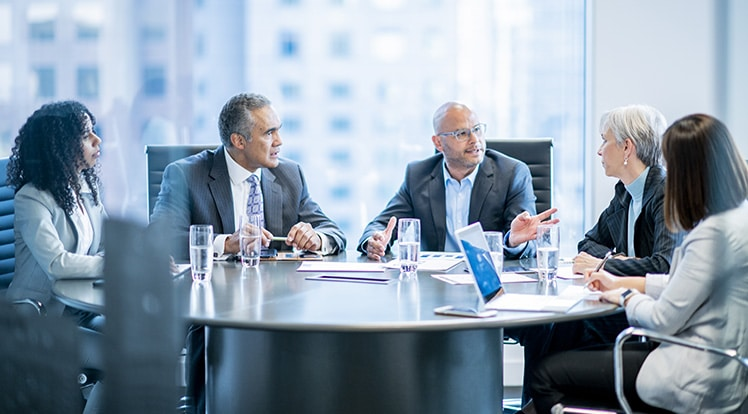 How to run a board meeting with board members