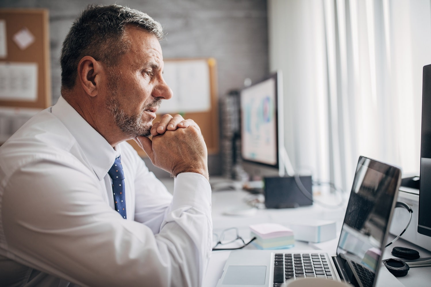 5 signs to invest in board meeting software - what to consider